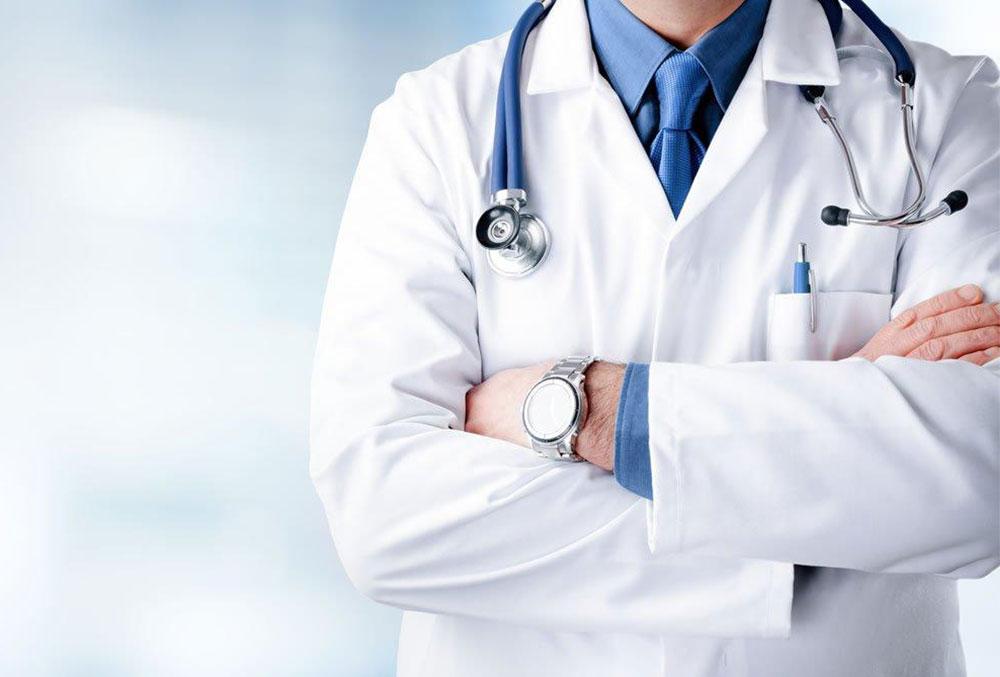 مشخصات یک دکتر پوست خبره و مهم ترین سوالات سلامت پوست | پیویو مگ